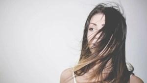 髪のパサつき・うねり対策にオススメの方法3選を美容師が紹介しちゃいます!