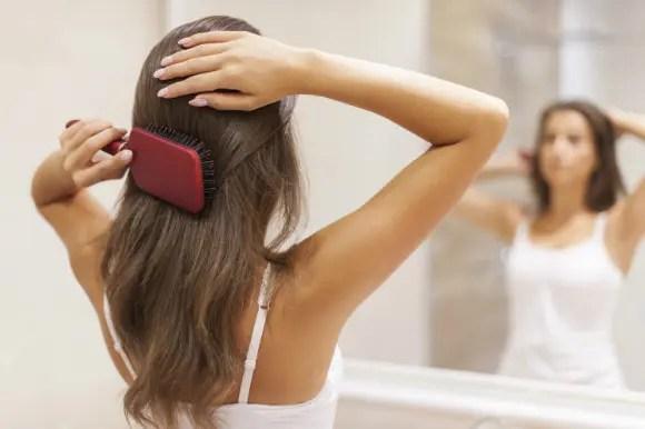 正しいブラッシングのやり方!髪の毛に艶を出す方法