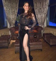 Daily-Style-Pill-Kareena-Kapoor-Khan-has-a-way-with-a-black-dress-nude-lips-and-making-an-entrance-for-NYE-2018