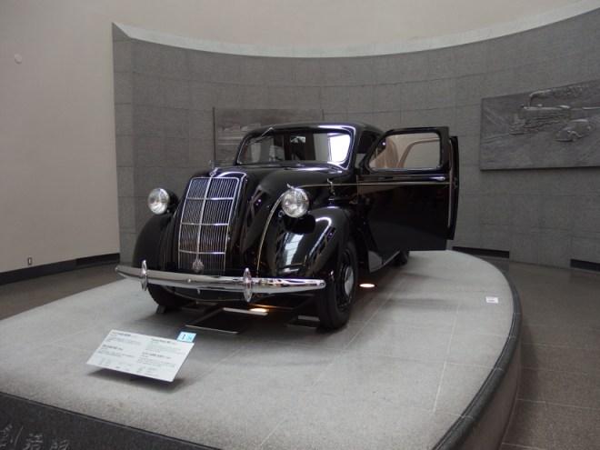 トヨダ・AA型乗用車