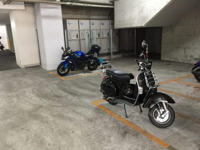 博多駅南自動二輪駐車場