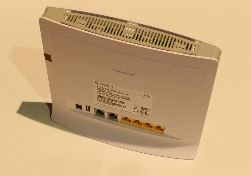 How To Repair Short Circuit In Ethernet Broadband Router