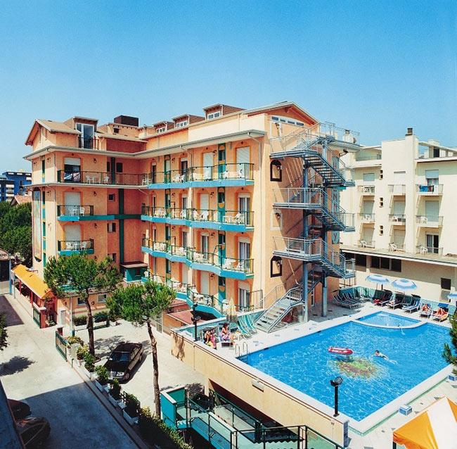 Hotel Jesolo Kennedy 3 stelle con piscina