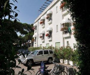 Hotel Marina a Jesolo 3 stelle frontemare con piscina