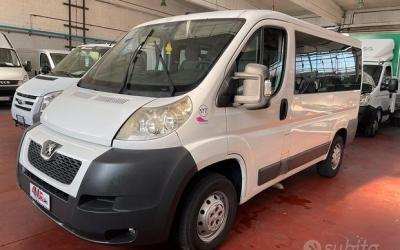 Peugeot 9 posti autovettura