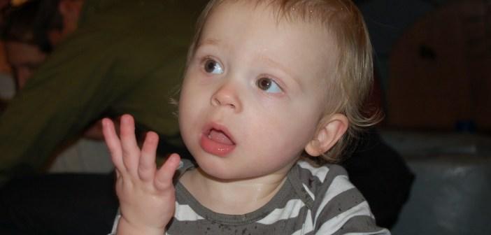 تطور الكلام عند الأطفال