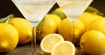 لماذا يجب شرب كوب من عصير الليمون كل يوم