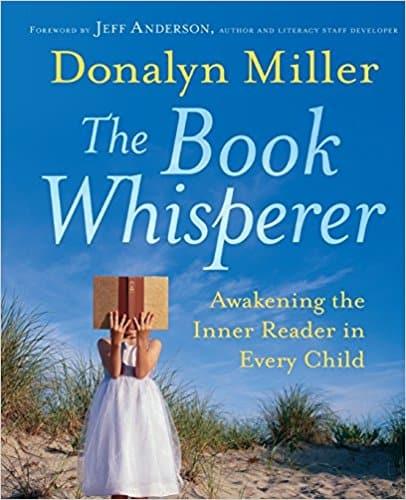 Mega Book List of Must-Reads for Homeschool Moms @4onemore.com #homeschool #booksformoms