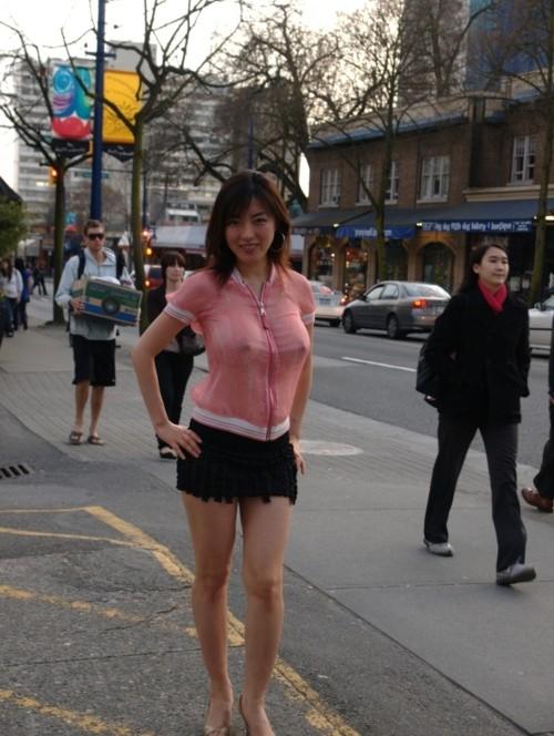Femmes  gros seins sans soutiens gorges  4plaisircom