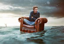 Sessel im Wasser