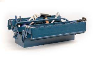 Ein blauer Werkzeugkoffer