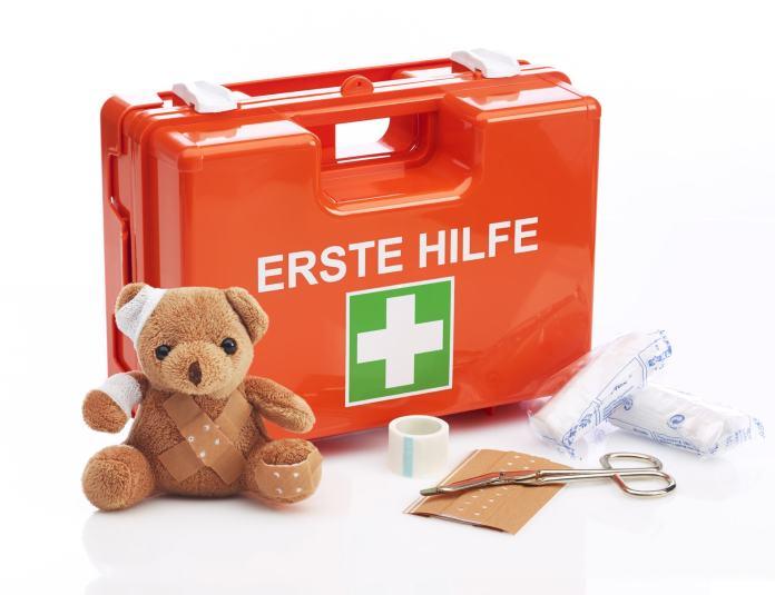 Ein Erste-Hilfe-Koffer
