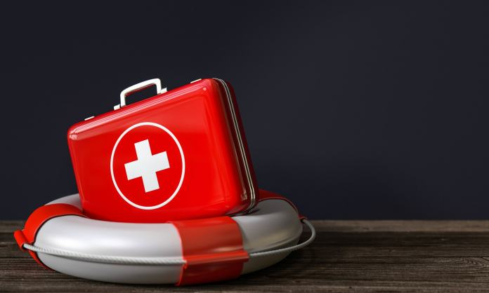 Notfallkoffer mit Rettungsring