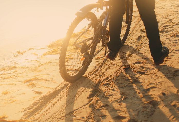 Fahrrad im Morgengrauen