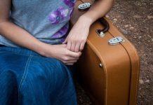 Ein brauner Koffer