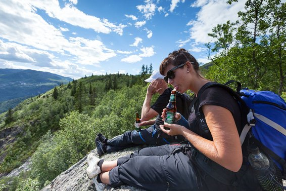 Reward on the top of Steget. My daughter has dared herself to sit on the edge, she's afraid of heights