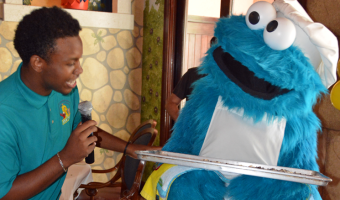 We Made Cookies With Cookie Monster !
