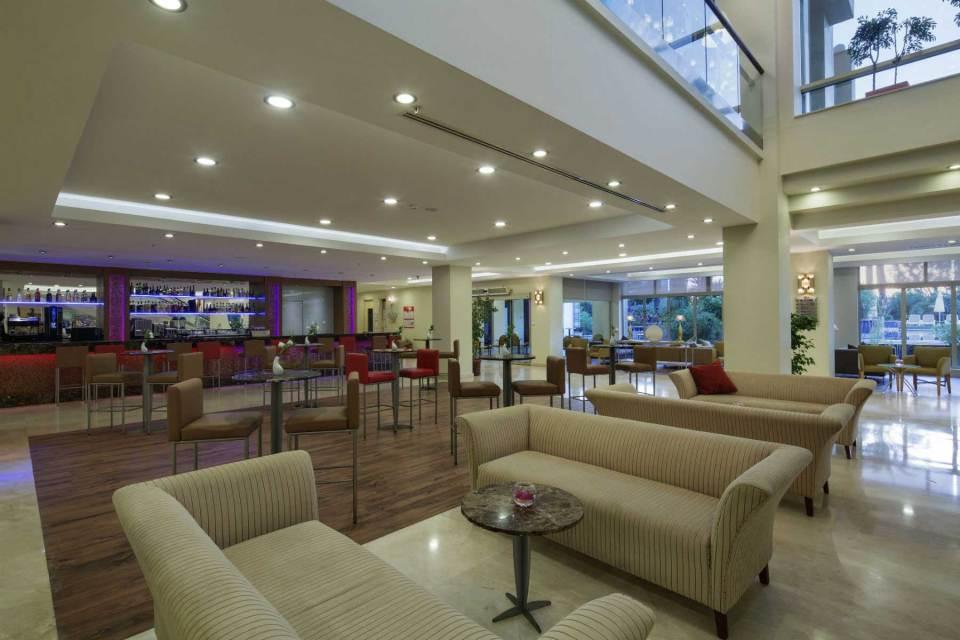 The Xanthe Resort & Spa lobby bar