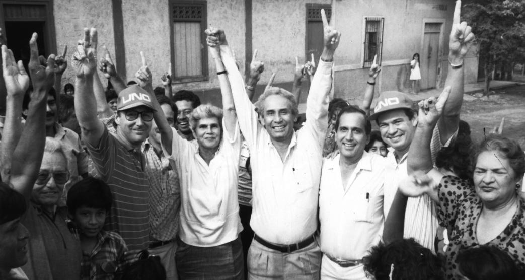 En 1990 no hubo unidad total, ocho partidos no quisieron integrar la UNO