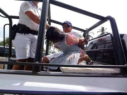 indigena-detenida-por-robar-acapulco