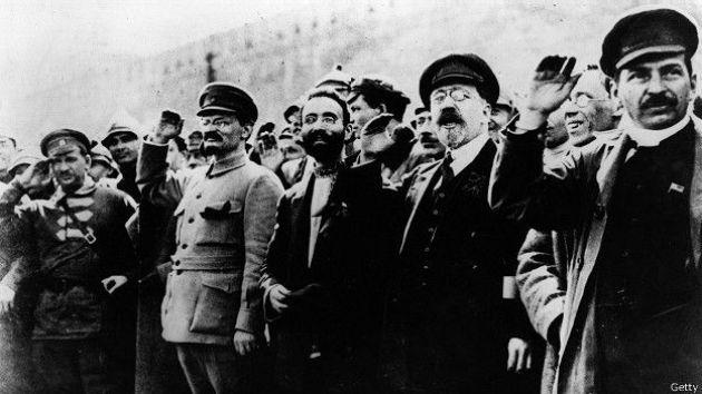 REVOLUCION RUSA STALIN Y TROTSKY