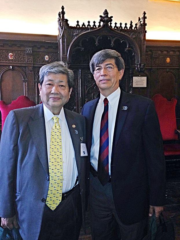 El Dr. Fernando León García, Rector del Sistema CETYS, con el Dr. Toyoshi Satow, President of the International Association of University Presidents (IAUP)