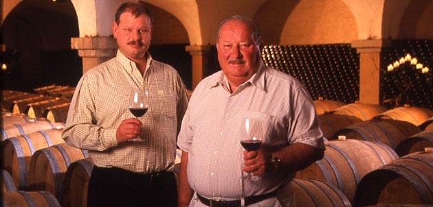 Luis Alberto Cetto (i) junto a su padre Luis Cetto. Foto: San Diego Red-Archivo personal Luis A Cetto.