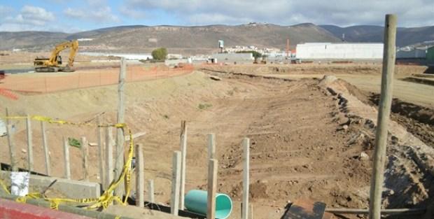 Agua de Ensenada tuvo que comprar este terreno y pagar cinco permisos oficiales que no programo en su propuesta inicial de inversion (Foto: El Mexicano).