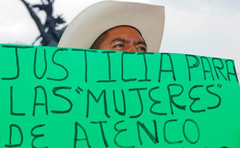 44atencobellasartes...informa...3mayo2012...foto: yadin xolalpa Se llevo a cabo en la explanada de Bellas Artes un mitin para exigir justicia para las mujeres de Atenco y castigo a la tortura sexual.