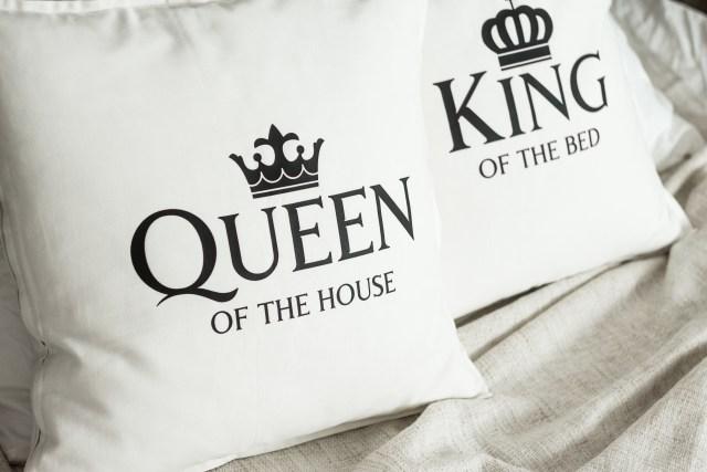 Fețe de pernă: Queen of the House & King of the Bed