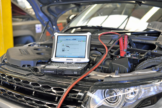 Land Rover Symptom Driven Diagnostic 2 (SDD2) bonnet up