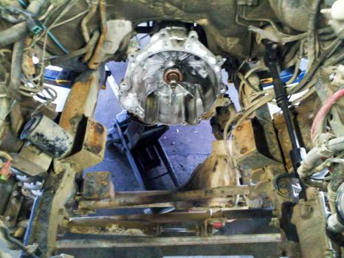 small resolution of 1997 mitsubishi montero sport engine bay