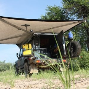 Alu-Cab Shadow Awning on Land Rover