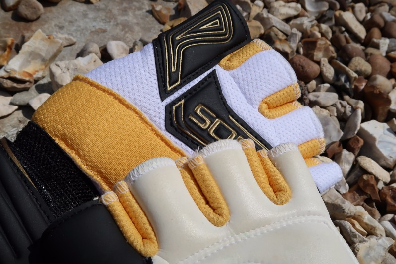 Top of Glove Detail