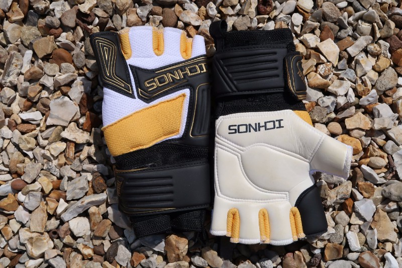 Ichnos Goalkeeper Glove Review Back and Front