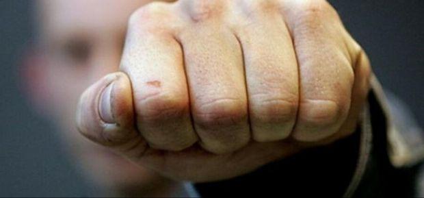 Перелом кісток черепа: в Надвірнянському районі розпивання спиртного між двома братами переросло у криваву бійку