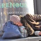 Femme dormant dans la rue © marcovdz