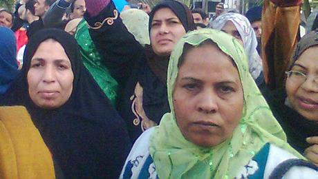 Manifestation d'ouvrières à Mehallah, « berceau » de la révolution égyptienne.