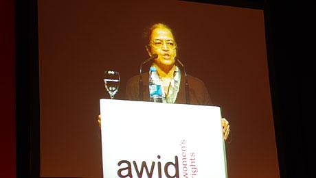 L'économiste indienne Gita Sen, lors de la session d'ouverture du Forum Awid le 19 avril. © Rosie Westerveld