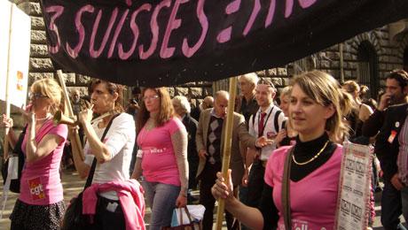 Les Licenci'elles au défilé du 1er Mai à Paris