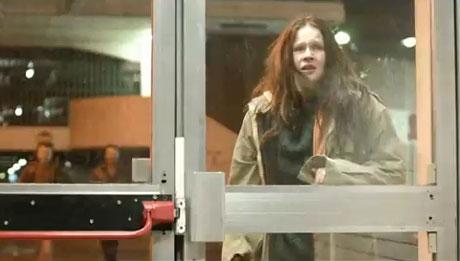 Capture d'image de la vidéo de la campagne Cauchemar de femmes du Samu social de Paris.