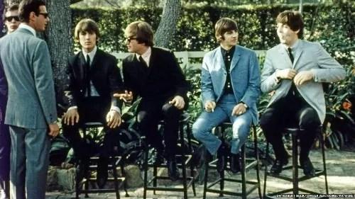 Os quatro jovens de Liverpool em início de carreira, em 1964