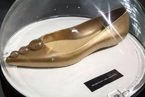 O preço dos calçados variam entre R$ 129 e R$ 199