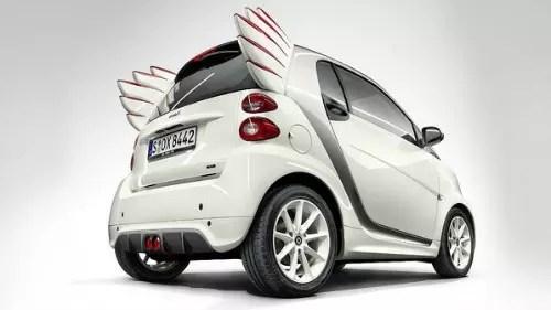 O carro da fabricante alemão, apesar das asas, não voa