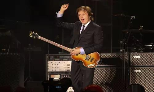 Paul McCartney, 71 anos, um dos dois últimos Beatles vivos