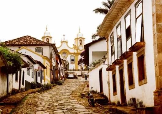 A histórica Tiradentes, em Minas Gerais, é uma das cinco cidades mineiras na lista