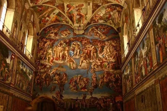 Capela Sistina: a riqueza dos detalhes pintados por Michelangelo, Rafael e Botticelli