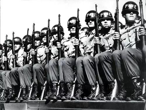 Foram 21 anos de regime militar, de 1964 a 1985