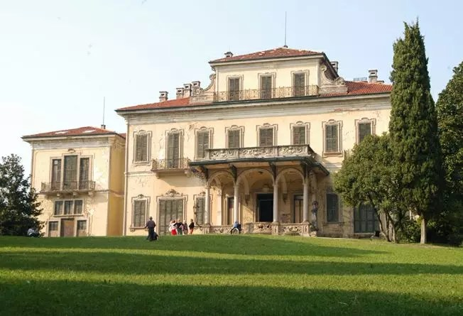 A villa de Arcore, mansão que o ex-1º ministro usava para seus encontros sexuais