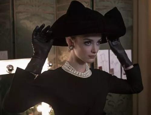 A atriz Charlotte Le Bon faz o papel da modelol Victoire Doutreleau
